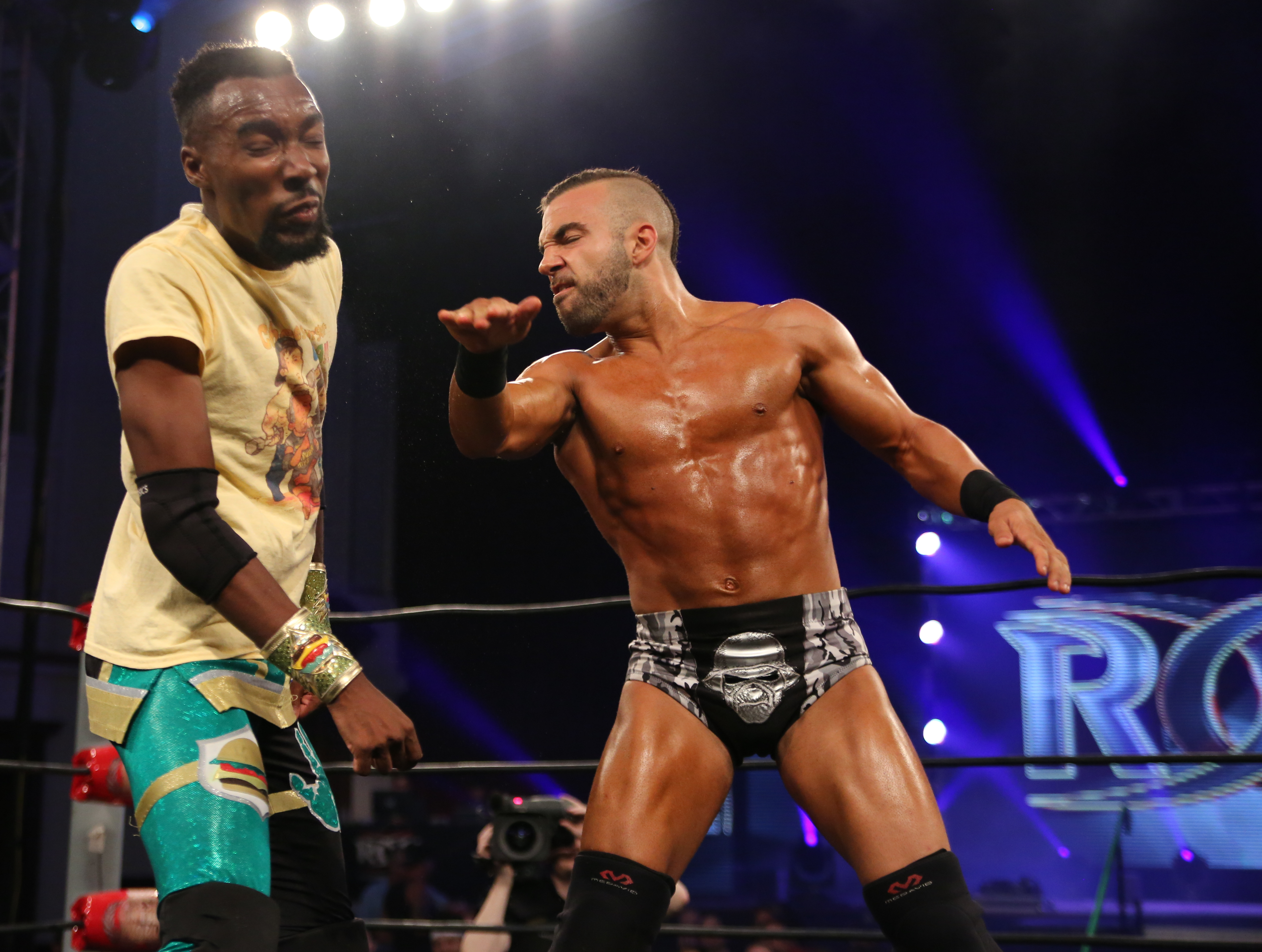Exclusive: Preview Of Cheeseburger and Will Ferrara's Fight Without Honor